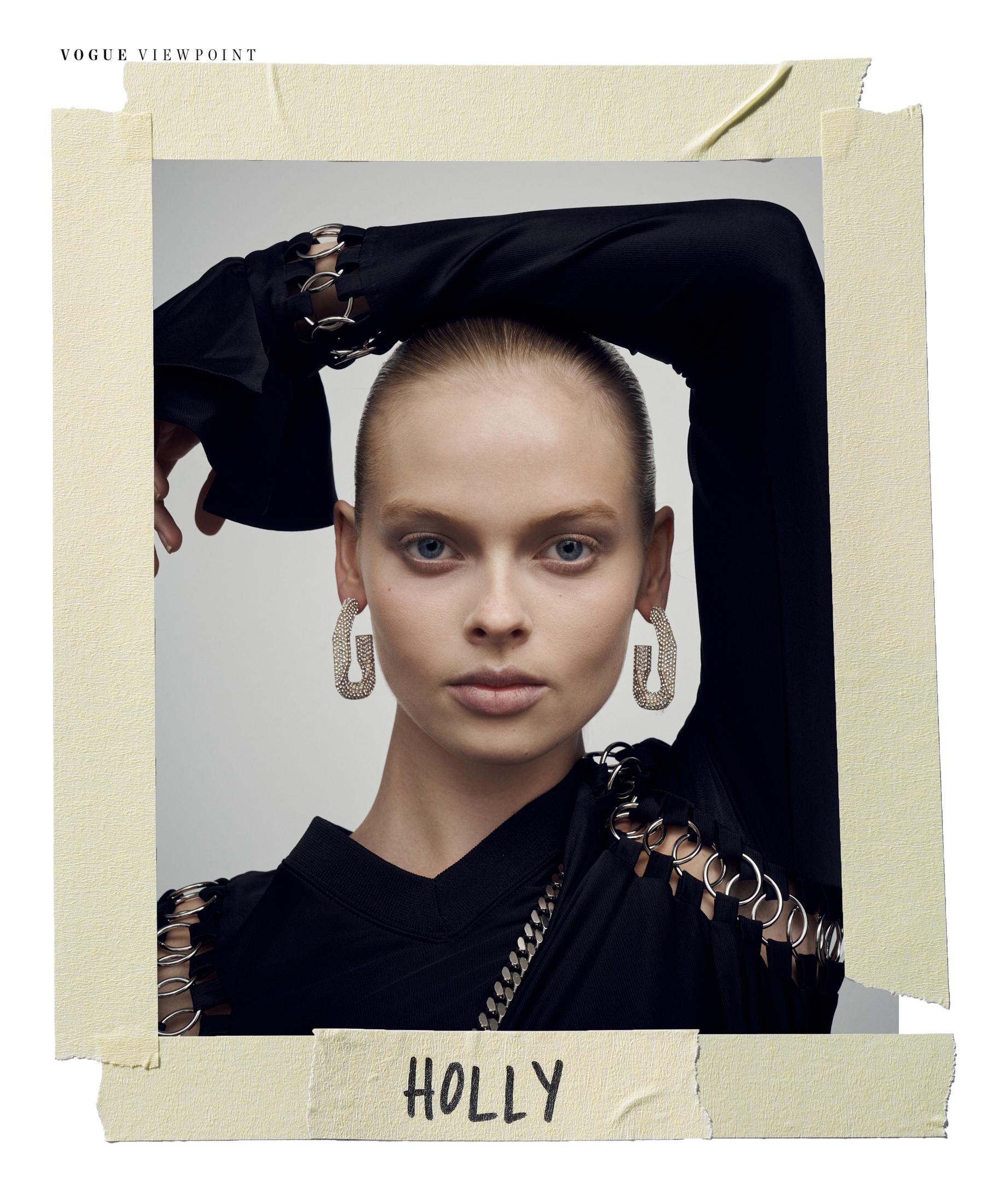 190815_Vogue_Burberry_SH03_Holly_1036_FINALS_TAPE 1.jpg