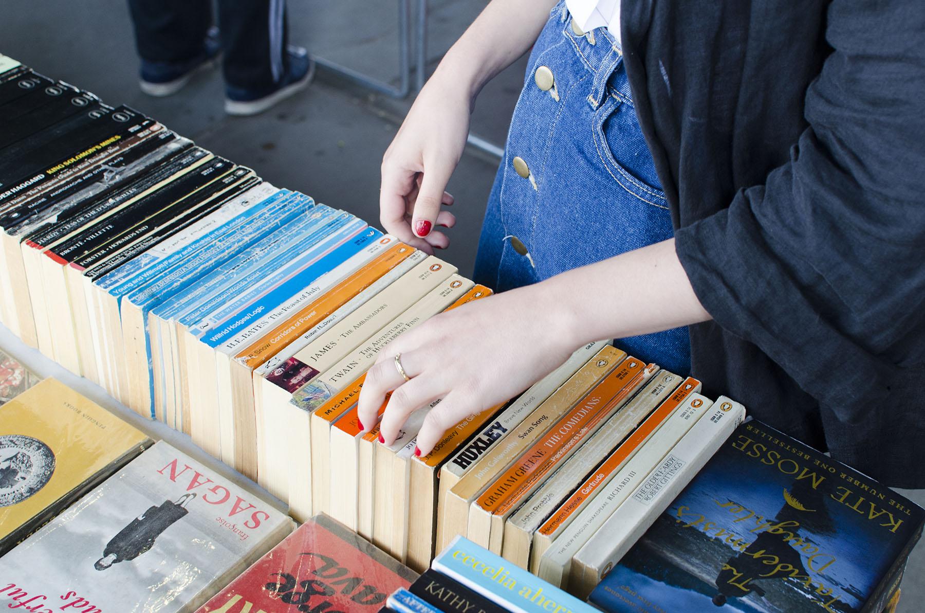 books_flea1.jpg