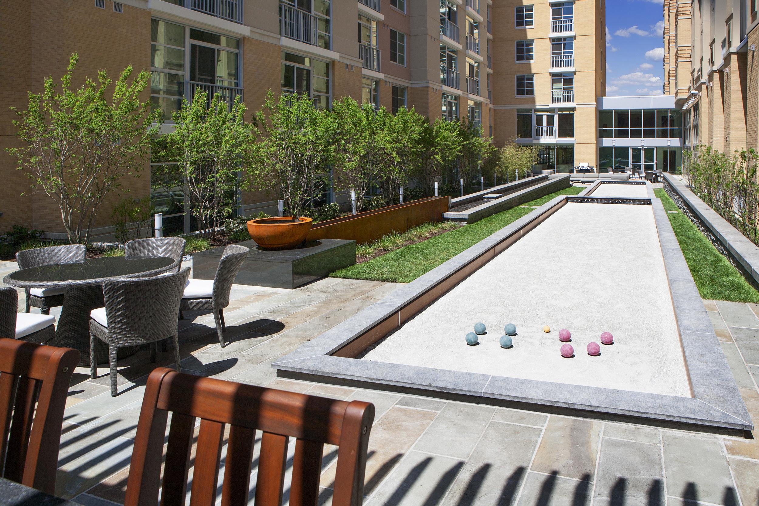 Courtyard Apr'13-21.jpg