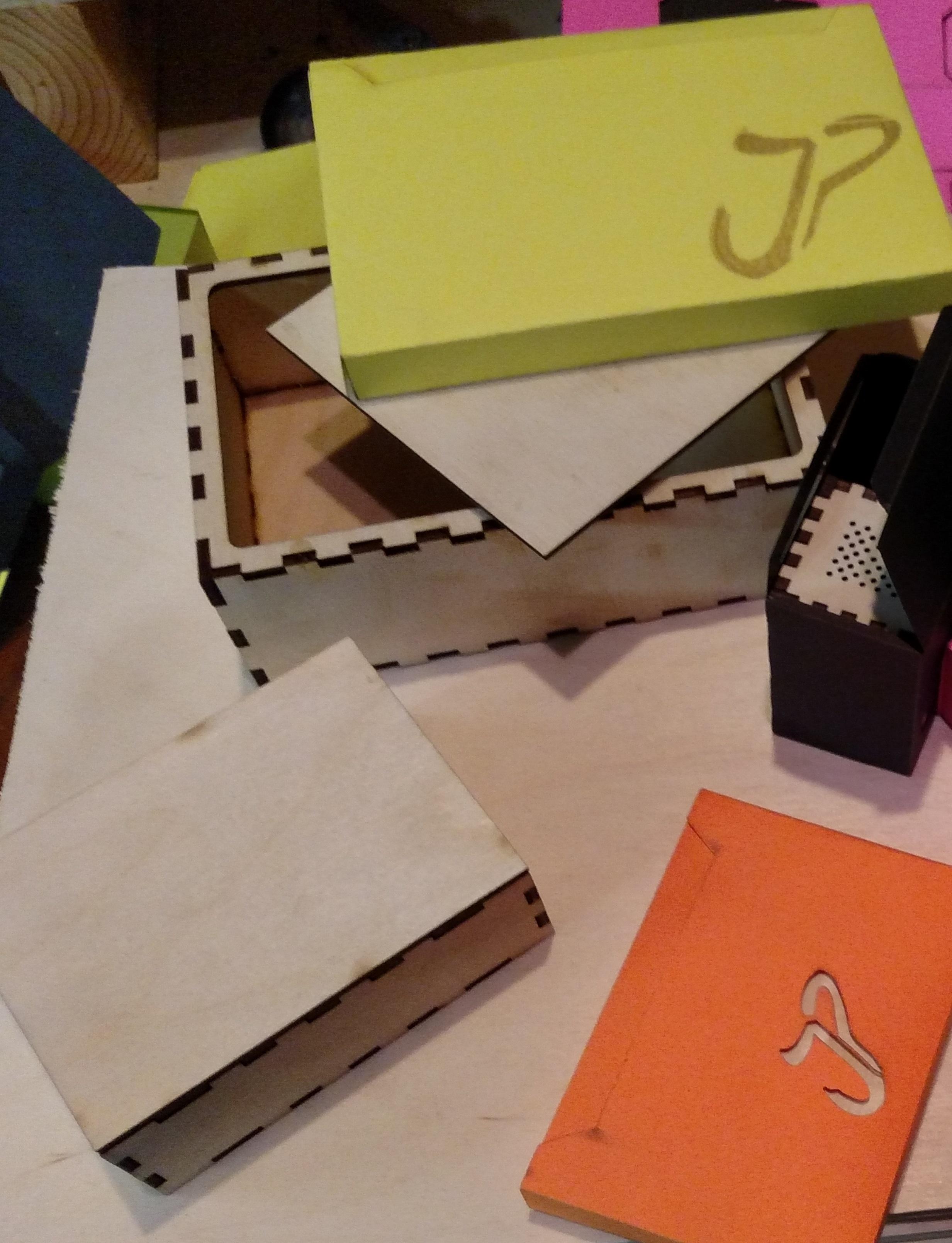 Gift box T1.jpg