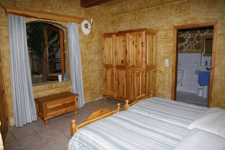 First single bedroom with en-suite shower
