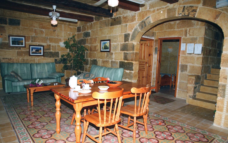 Dining area in rustic design