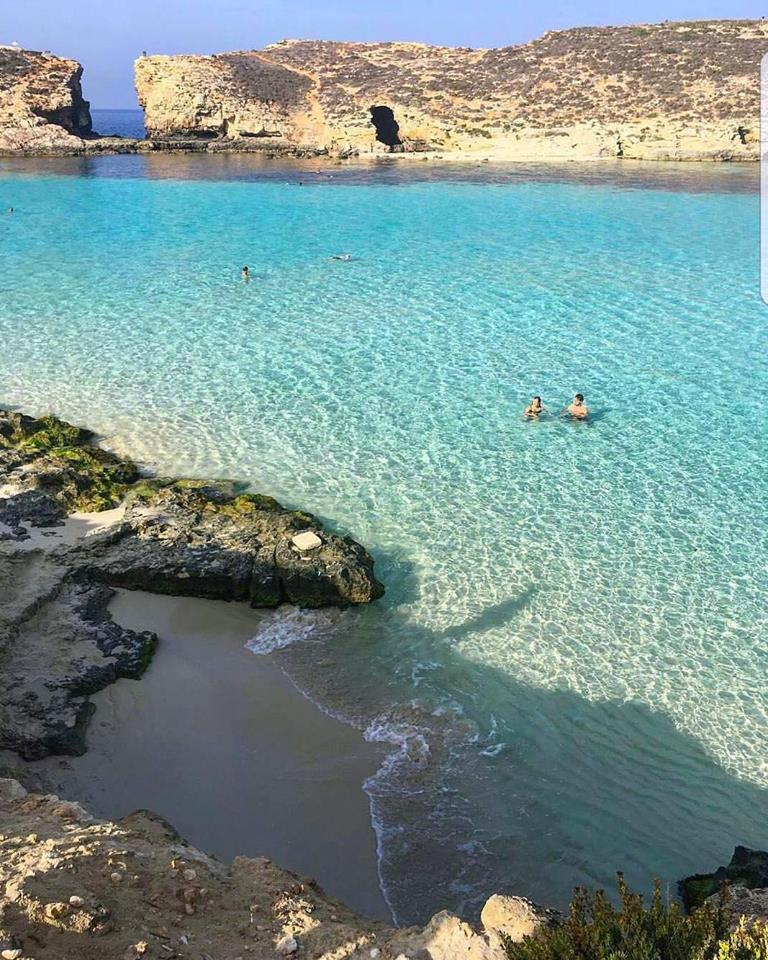 A DAY ON COMINO
