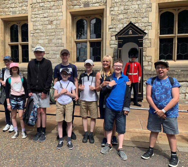 GB- Tower of London 2019.jpg