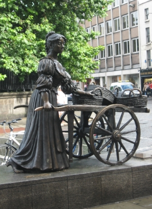 Picture of Molly Malone off Grafton Street
