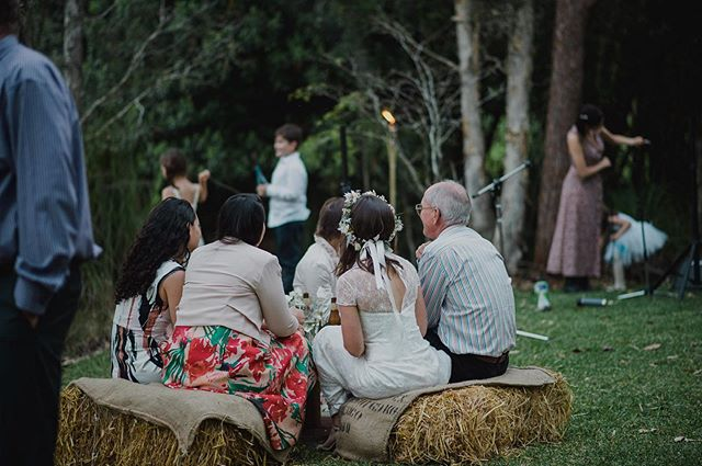 What's important to you on your wedding day? . For us, it was moments like these catching up with our friends and family 🖤 . A scenic, comfortable spot to sit and a place to set your drink is all you really need. . Good live music is definitely an added bonus. . #weddingplanning #diyweddingdecor #weddinghire #coffscoastwedding #dailyweddinginspiration #barnwedding #rusticwedding #outdoorsybride . @eaglesrestweddings 📷 @leahmoorephoto