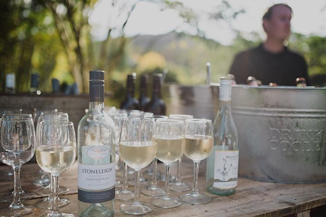 It's Friday afternoon and the ☀️ is shining bright. . We have glassware, drink tubs and timber bars for hire. 🍷 . visit our website for more details (link in bio) . 📷 @leahmoorephoto . . . #afternoondrinks #happyhour #glasswareforhire #weddinghire #simpleweddings #vallaweddings #coffscoastweddings #nambuccavalleyweddings #visitnambuccavalley #outdoorreception #dailyweddinginspiration