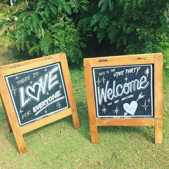 We love seeing what couples create out of our blank canvas chalkboards 😍makes cleaning them off hard when they look this good!  Congrats to the beautiful Harriet & Lachlan who tied the knot this past weekend ❤️ #aframechalkboard #weddinginspo #rusticwedding #chalkboardart #coffscoastwedding #weddingfurnitureandprops #glenniferhall