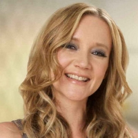 Kate Russell   @KateRussell   Technology Reporter & Author BBC Click