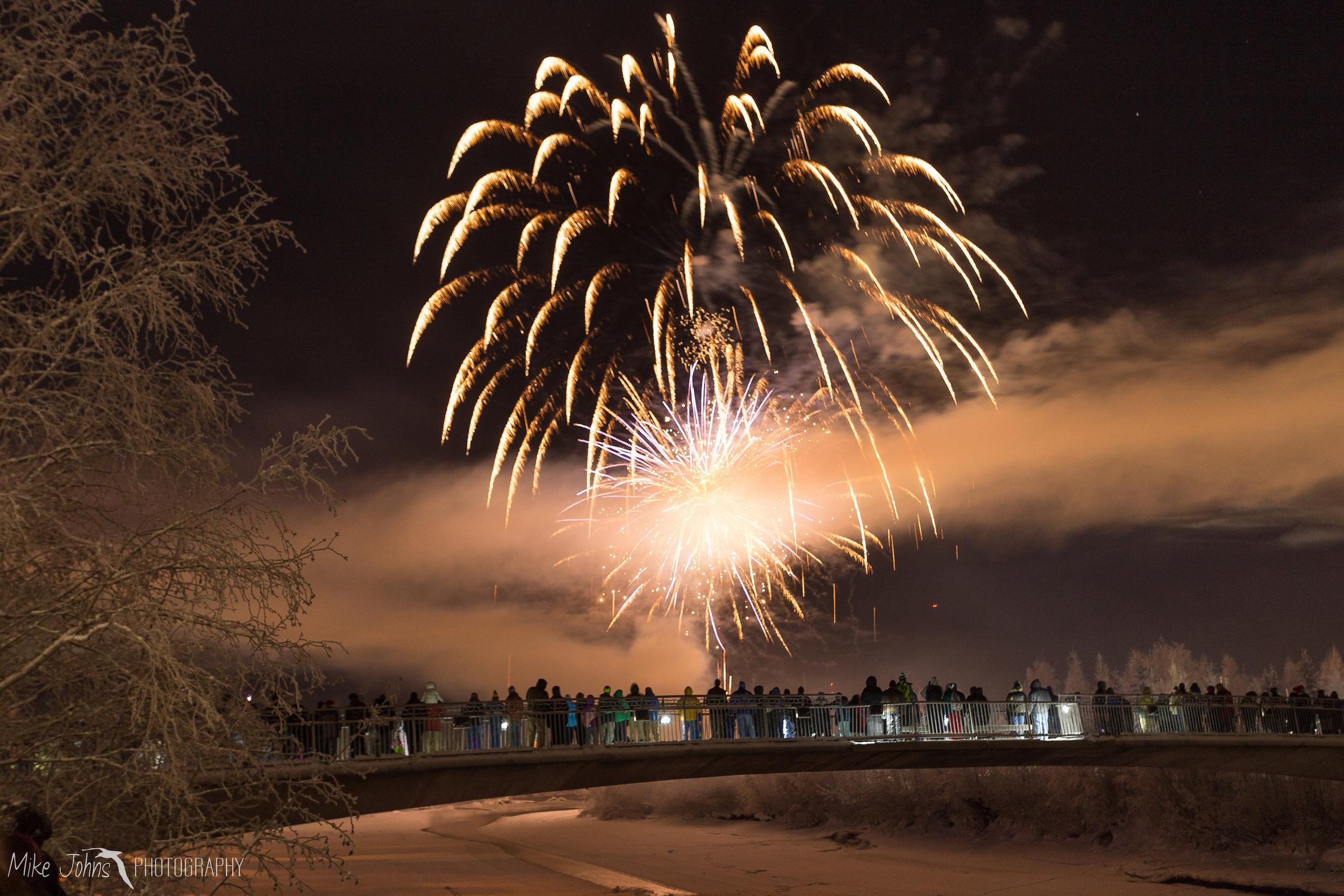 xmas_fireworks_2017-1-7.jpg