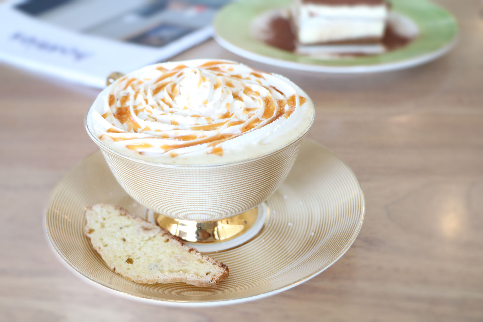 """Salted Caramel Macchiato  I usually skip things  caramel because most of them tend to be super sweet. Rather impressed by this cuppa because it is not too sweet and brings out a very smooth texture. Bonus points for the tea cup!I was telling Koon..""""Let's call this The Aladdin Coffee!"""""""