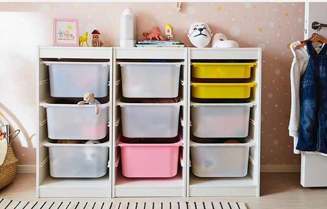 As with all your belongings, dedicate a specific space for your child's toys. If they begin to overspill it's time for a declutter.  Here's a short list of the easiest places to start; broken toys, duplicate toys, toys no longer age appropriate, noisy toys (!) 🤯🤯🤯 . This toy storage unit is called TROFAST and is from @ikeauk  By combining the sturdy frames and removable boxes, you can organise your own storage solution. With different options for colour and size, it's sure to fit right in. 📷 @ikeauk . . . . . . #pleaseorganiseme #professionalorganiser #simplifyshit #keepitsimple #toystorage #organisedwithkids #organisedhome #kidschaos #allthetoys #tidyuptime #ikeauk #ikeachildren #kidsstorage