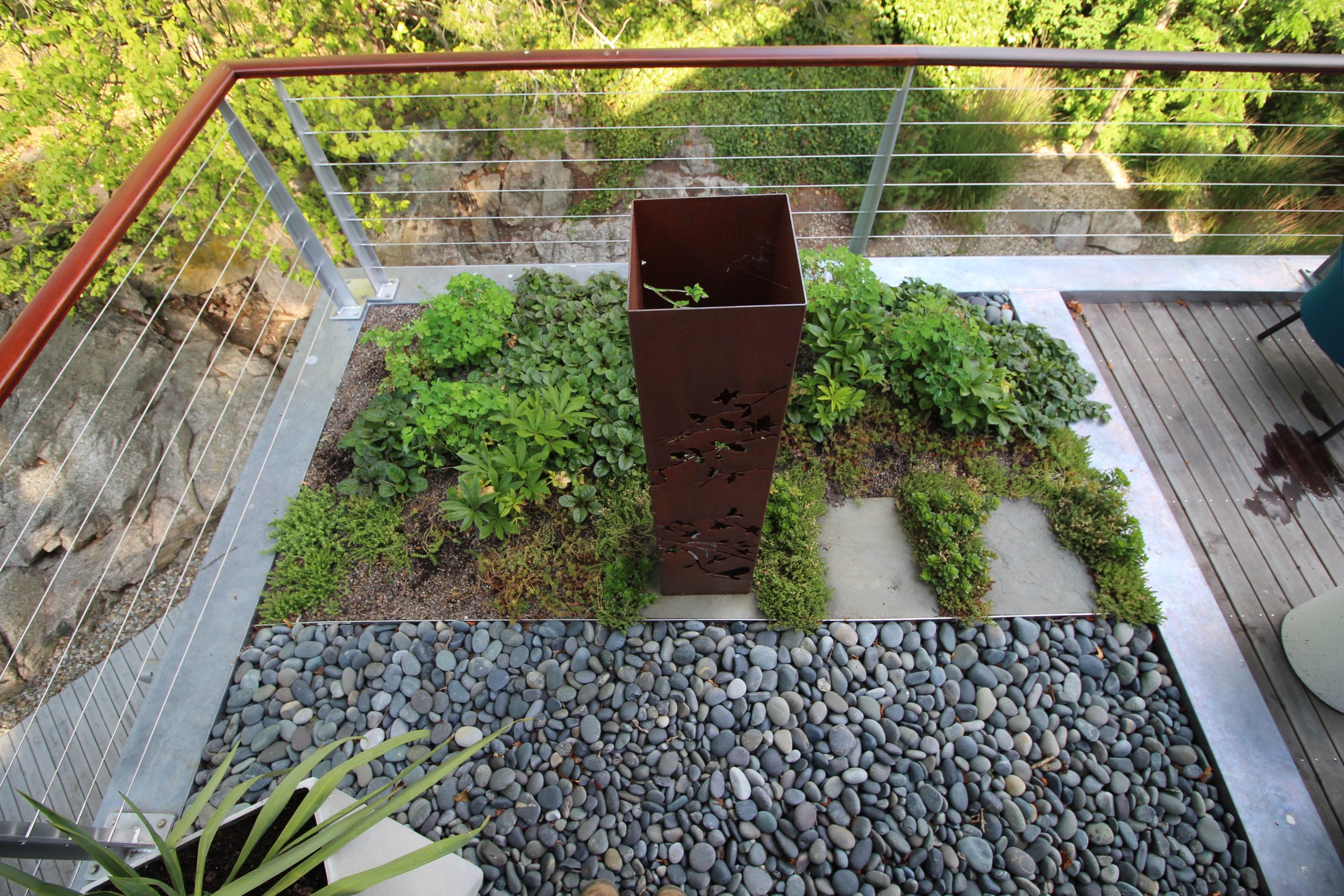 recover-green-roofs-sculpture-patio-2015-2769.jpg
