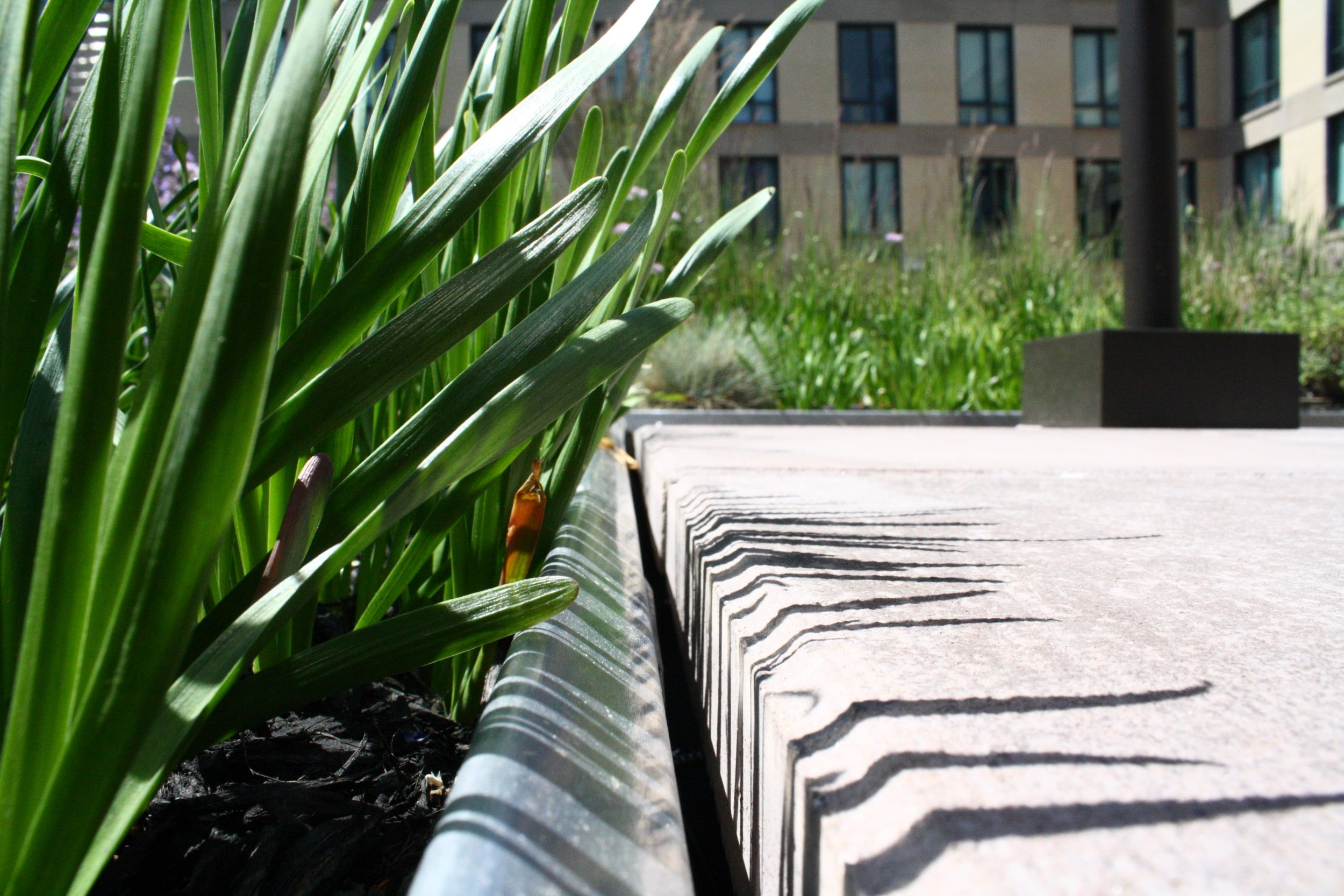 recover-green-roofs-ink-block-roof-lounge-2014-3.jpg