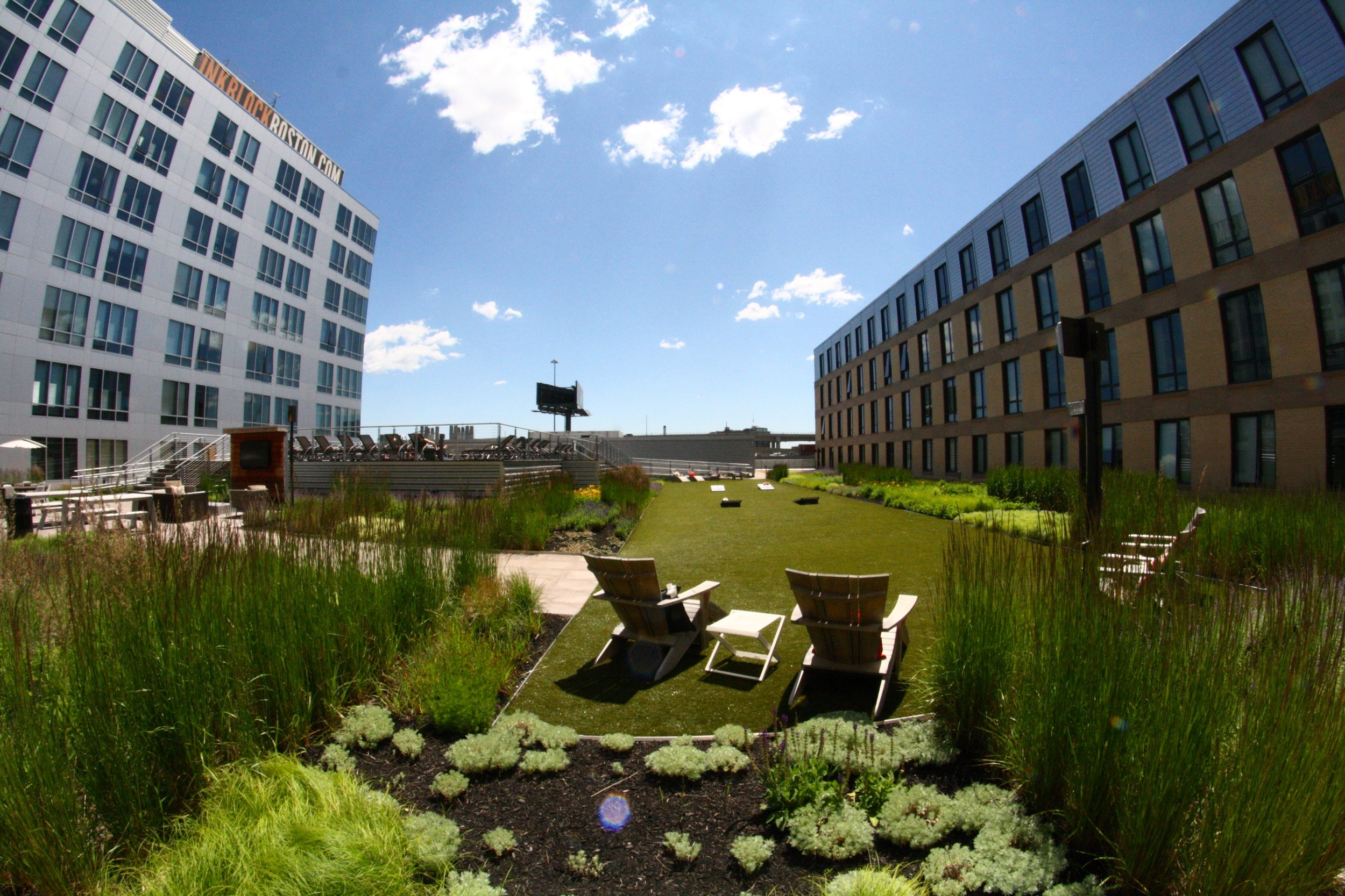 recover-green-roofs-ink-block-roof-lounge-2014-16.jpg