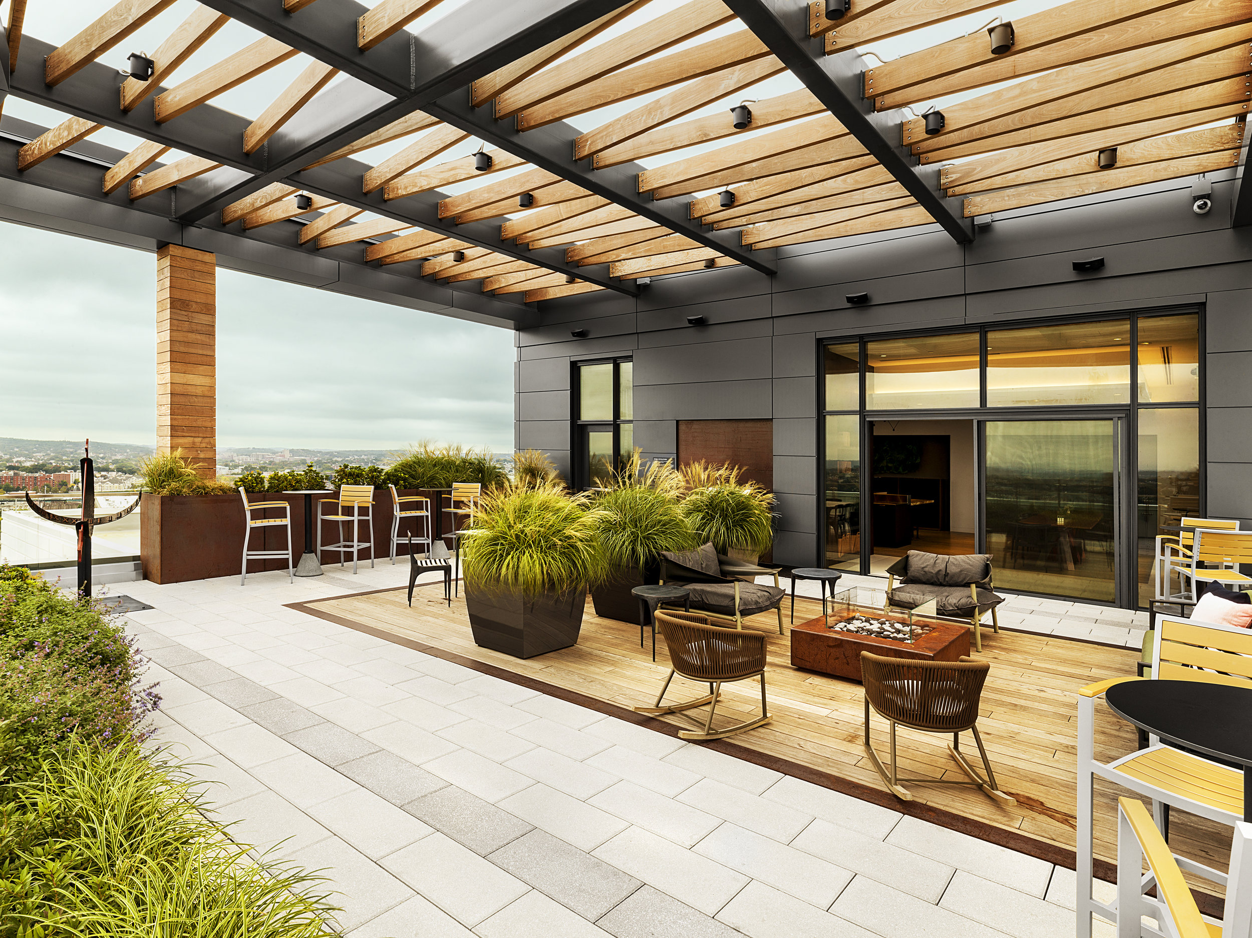recover-green-roofs-patrick-rogers-photography-montaje-courtyard-skydeck-11-2018-1.jpg