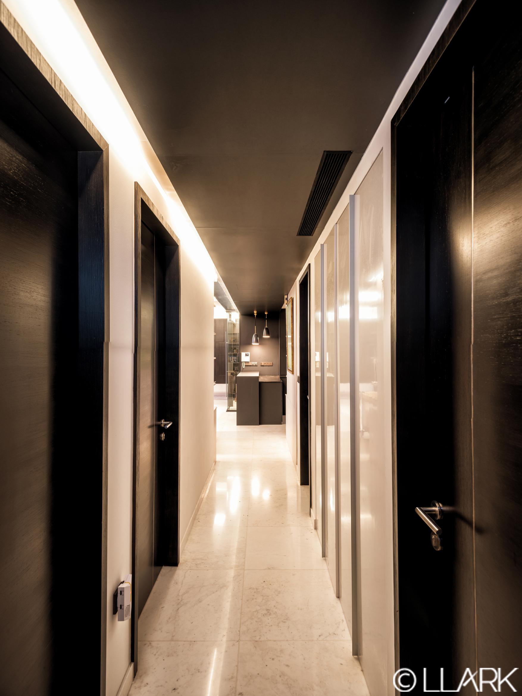 LLARK_AALTO_Corridor_R.jpg