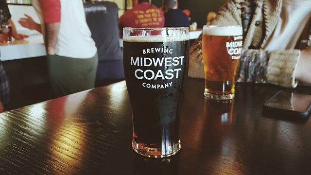 """Where @midwestcoastbrewing shines is in balance and """"to-style"""" beers brewed for the modern drinker. Who says brown ales, ESBs, red ales and pale ales can't be just as delicious and exciting as the next big DDH IPA or barrel aged pastry stout?  #midwestcoastbrewing #midwestcoast #midwestbeer #chicagobeer #chibeer #brews #craftbeer #chicagocraftbeer #chicraftbeer #brownale #beer #craftbeer #beersofinstagram #instabeer #beertography #beergram #beerphotography #beerpic #beerpicture #cheers #illinoisbeer #illinoiscraftbeer #goodbeer #taproom #ILbeer #drinklocal #localbeer #beers #drinkbeer  #fewbrews #fewbrewsbeerclub"""