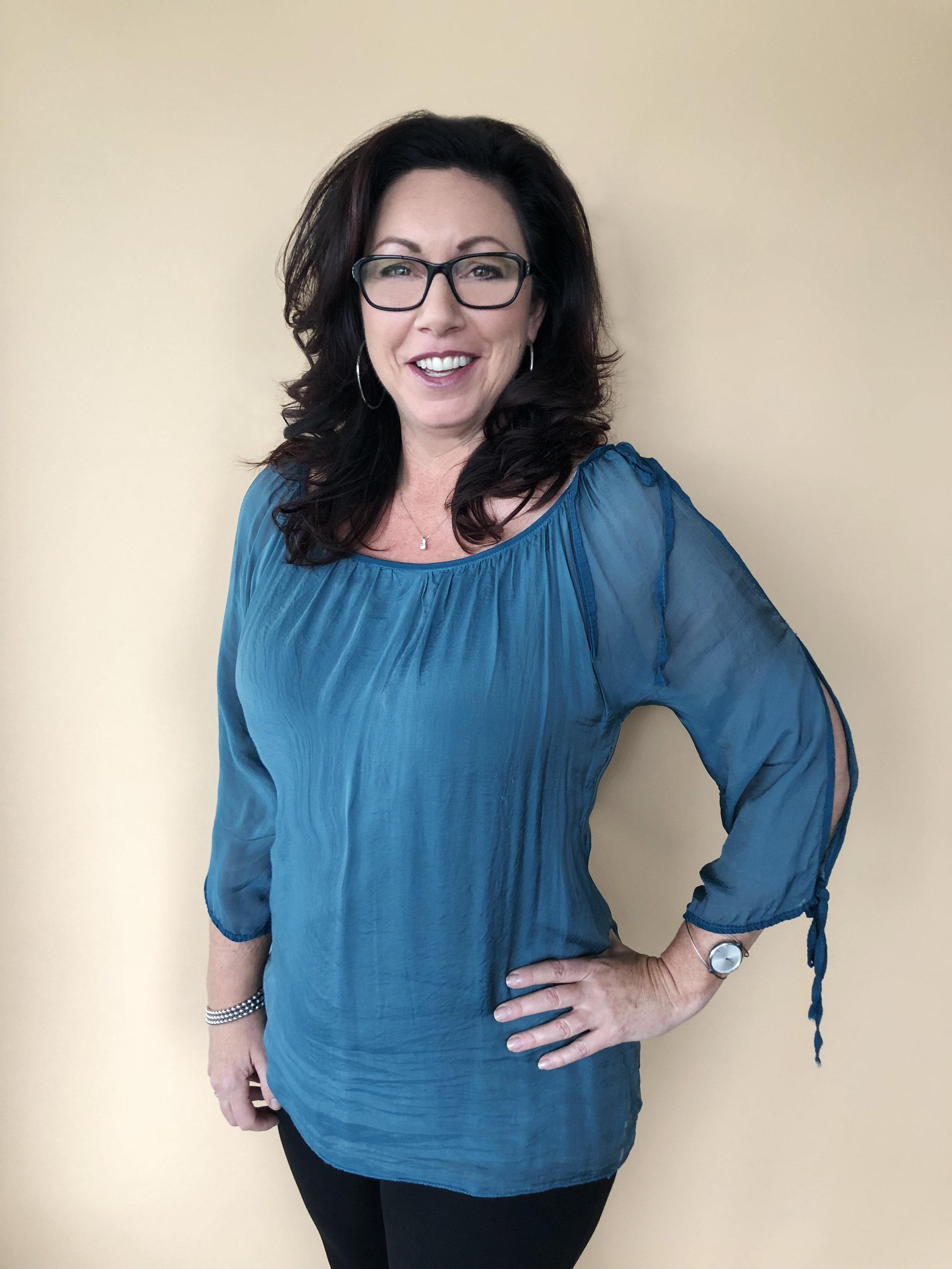 CYNTHIA MACLEAN - Sales Consultant@cynthiamacyyc