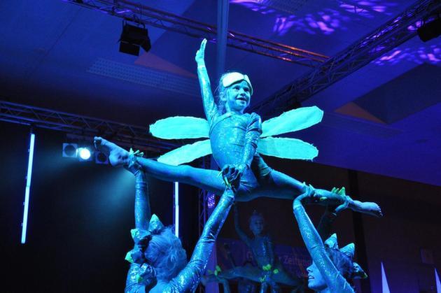 1Beste-Akrobatik-bezauberte-die-Besucher-der-Show-des-Sports-in-der-Roennehalle_image_630_420f_wn.jpg