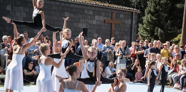 22.09.18 Gruppe hat Spaß an Akrobatik und Tant