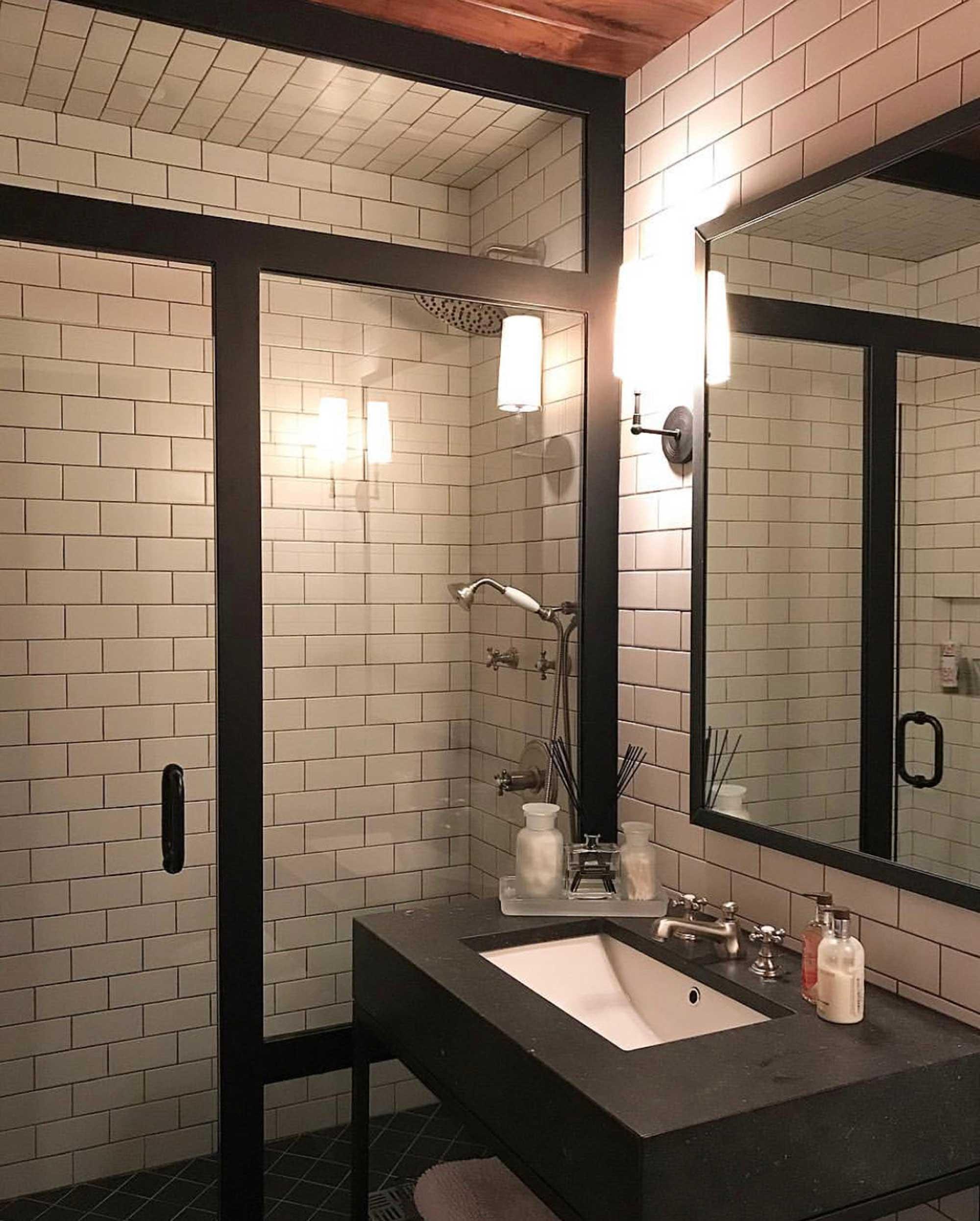 Shower-Doors7.jpg