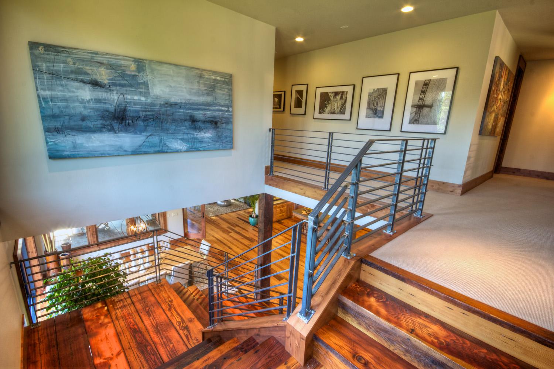 2_upstairs.jpg