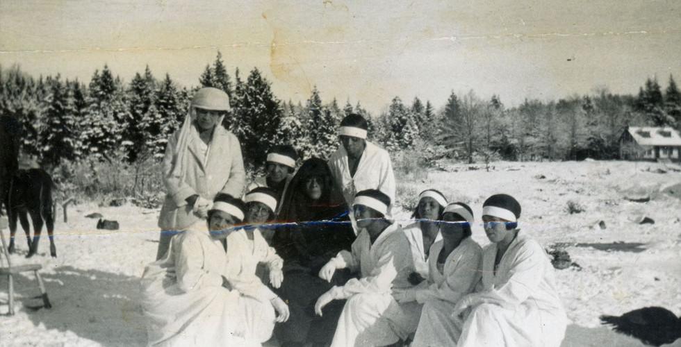 10Sisters-1923-980x500.jpg