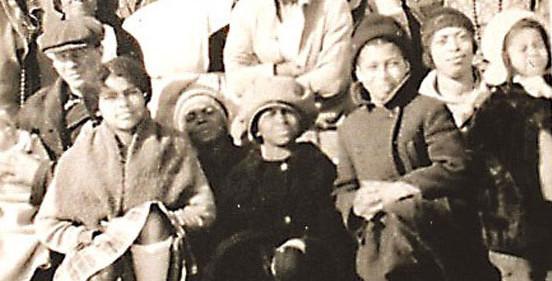 15Turner-Family-at-Homestead-c-1932-552x281.jpg