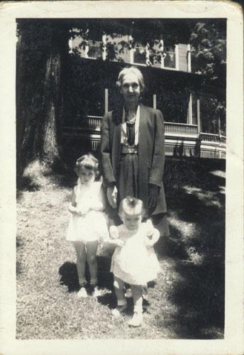 Elvine Royce and Granddaughters