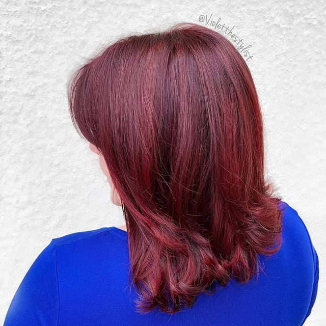 Maybe if I post fall inspired hair, the weather will get the hint? Worth a try 🤞🏻🍂🤷🏻‍♀️ Beauty: @yearofanneliese  Color: @pulpriothair #faction8 Tools/foil: @framar Styling: @love_kevin_murphy  #violetthestylist #riotsquad • • • • • #redhair #red #shorthair #short #cherry #sandiego #sandiegostylist #sandiegocolorist #619 #619stylist #craftcolorist #crafthairdresser #mermaidhair #pinteresthair #shorthairstyles #pulpriothair #brightredhair #sandiegoredheads #sandiegobesthair #sandiegobest #ittakesapro