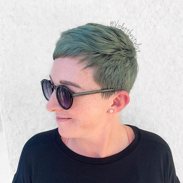 Daryl's specific shade request was 'Mildew' and my eyes lit up. I love stepping outside the box and using color theory to create gorgeous and grungey shades.  What's your favorite unconventional haircolor?! Beauty: @probablyinblackskinnies Color: @pulpriothair  Tools/foil: @framar Styling: @love_kevin_murphy  #violetthestylist #riotsquad • • • • • #greenhair #grunge #shorthair #pixie #green #sandiego #sandiegostylist #sandiegocolorist #619 #619stylist #craftcolorist #mildew #crafthairdresser #mermaidhair #pinteresthair #shorthairstyles #pulpriothair #grungehair #sandiegomermaidhair #sandiegobesthair #sandiegobest #ittakesapro