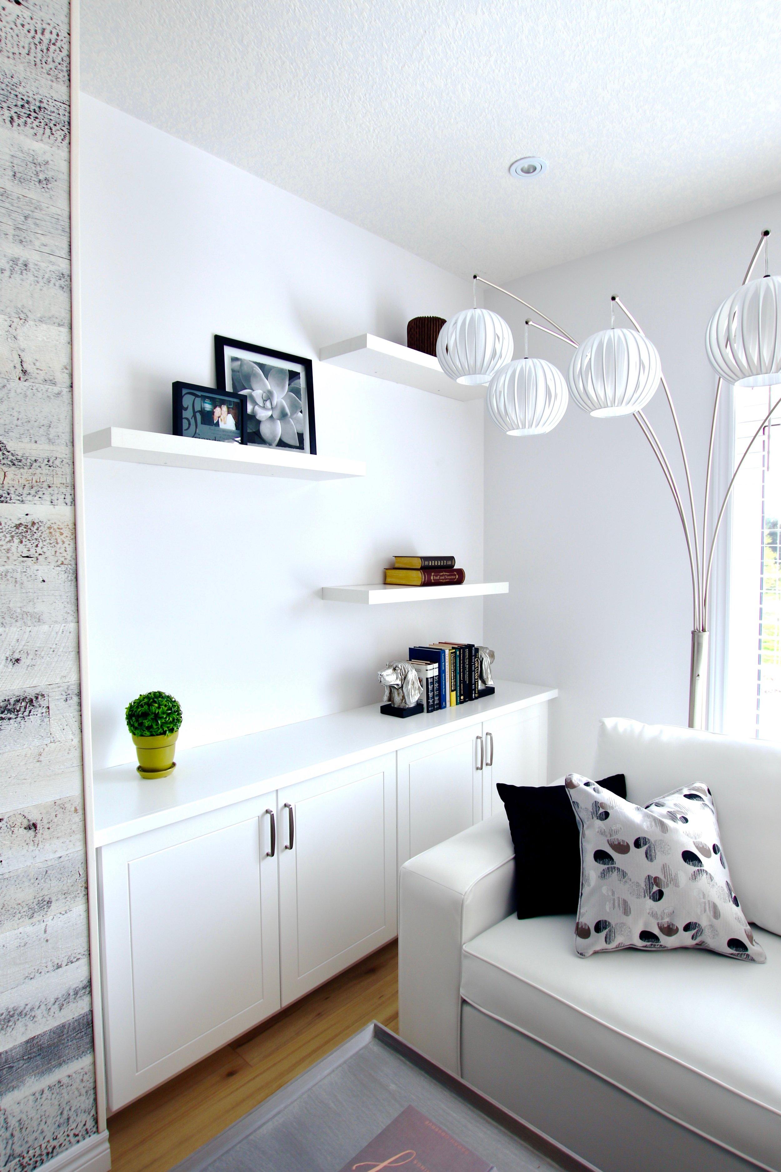 White Livingroom3.jpg