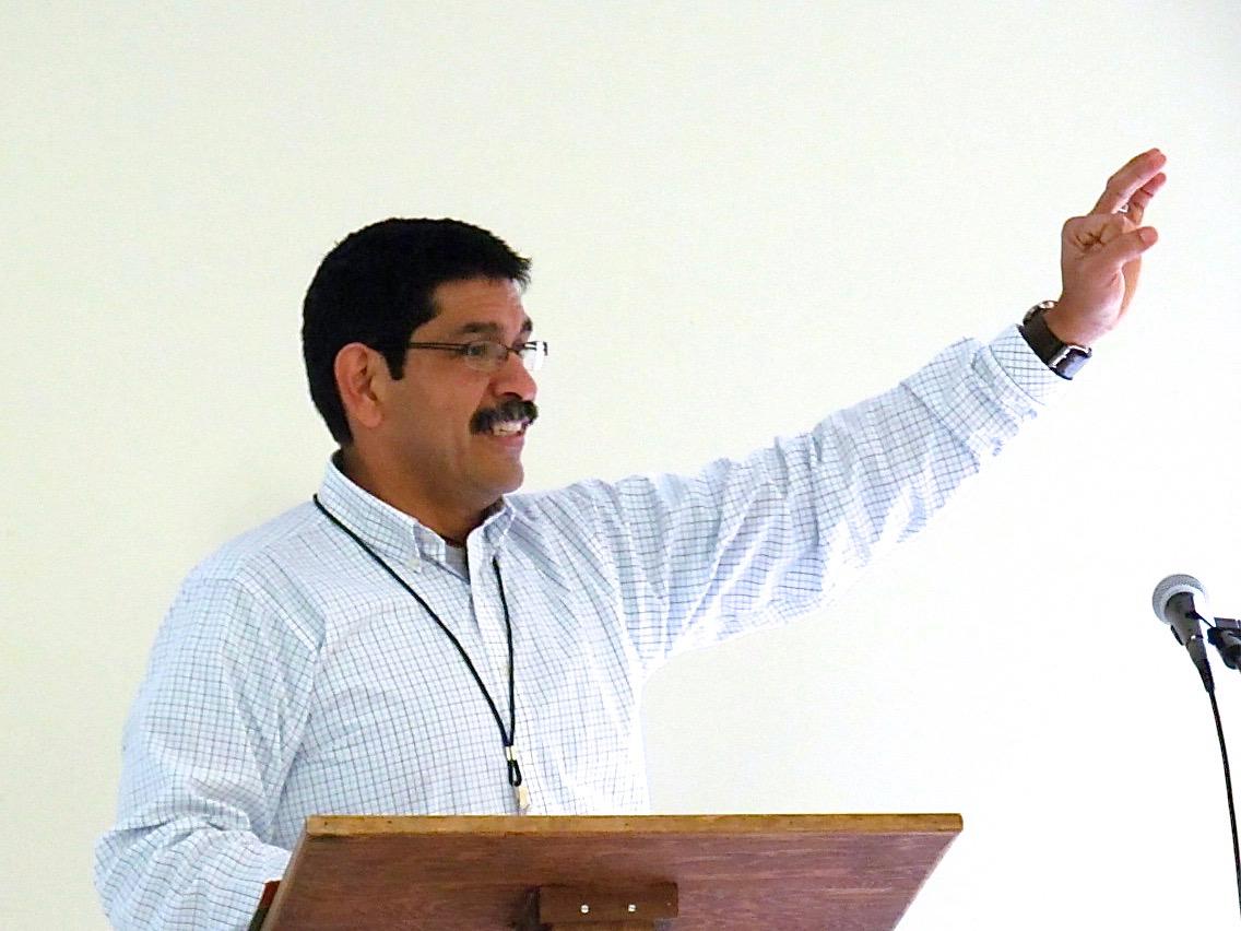Pastor Alex Villasana