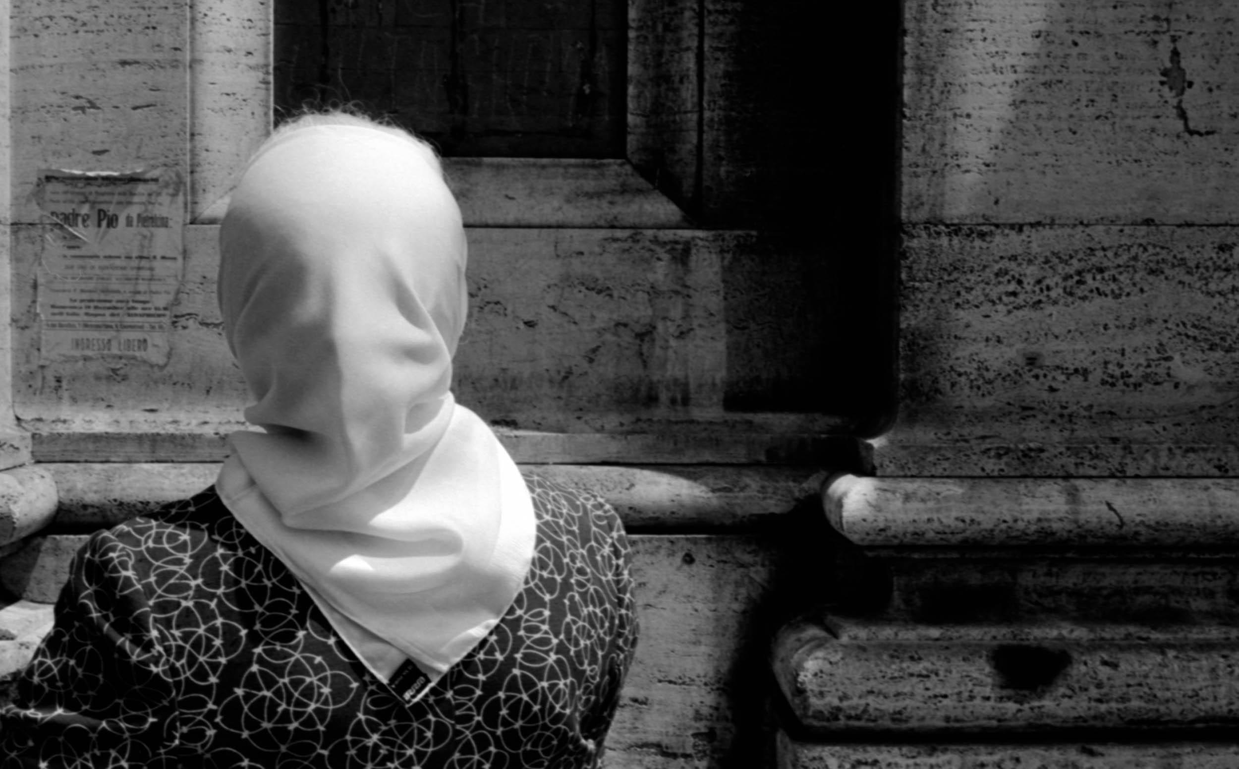 4.WomanWithScarf_3.COLOR.jpg