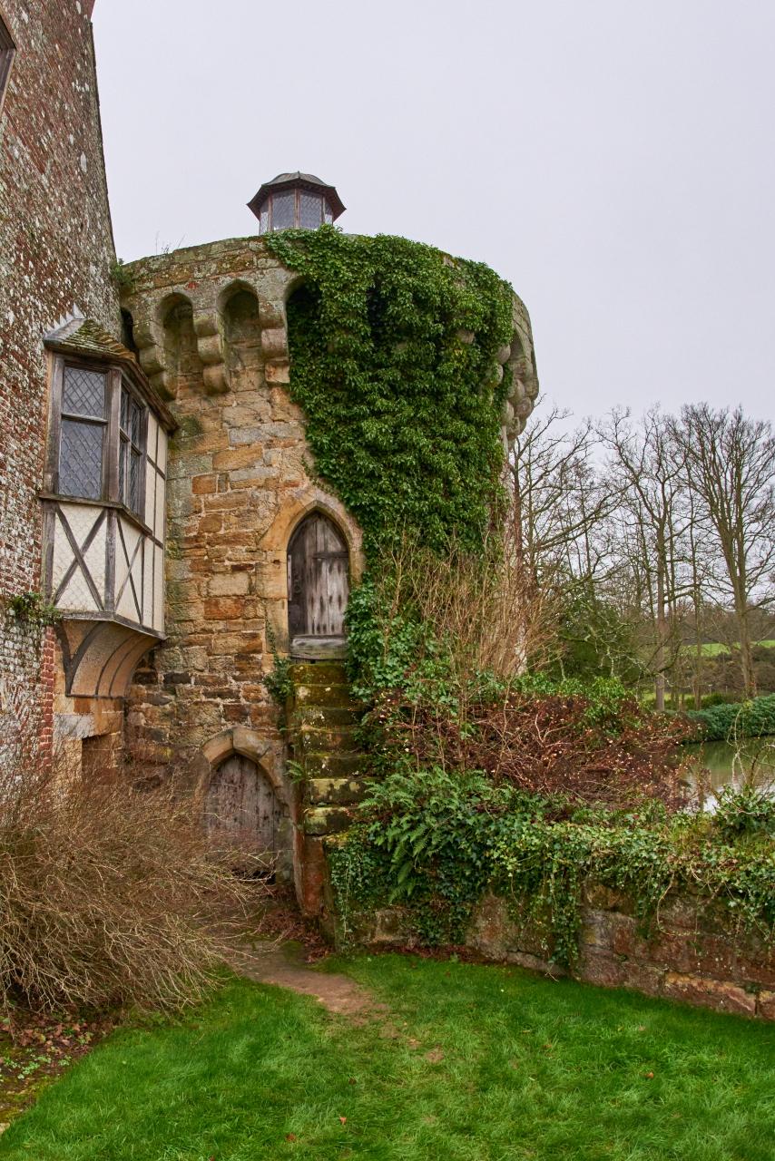Scotney Castle - 001.jpg