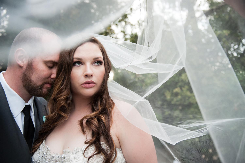 redlands_realwedding_diy_bride_veil_couple
