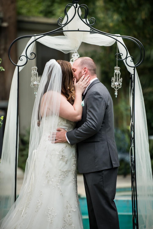 diy_firstkiss_realwedding_backyard_ chandeliers_ceremony