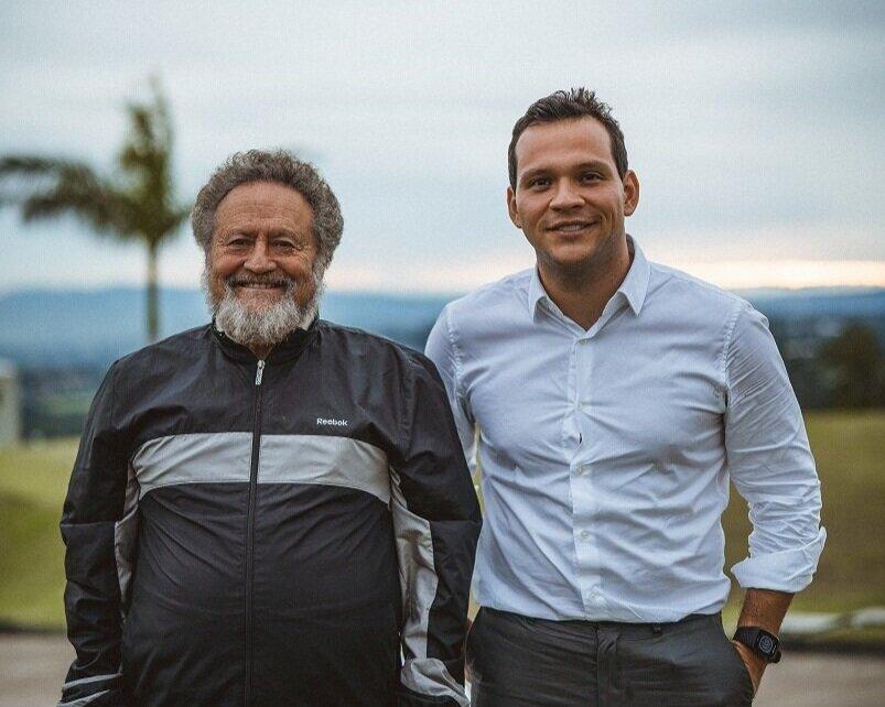 A la izquierda, Steve Aronson, nuevo miembro de la Junta Directiva y a la derecha, el Dr. Álvaro Salas Castro, fundador del Democracy Lab, en nuestro último taller de planificación estratégica.