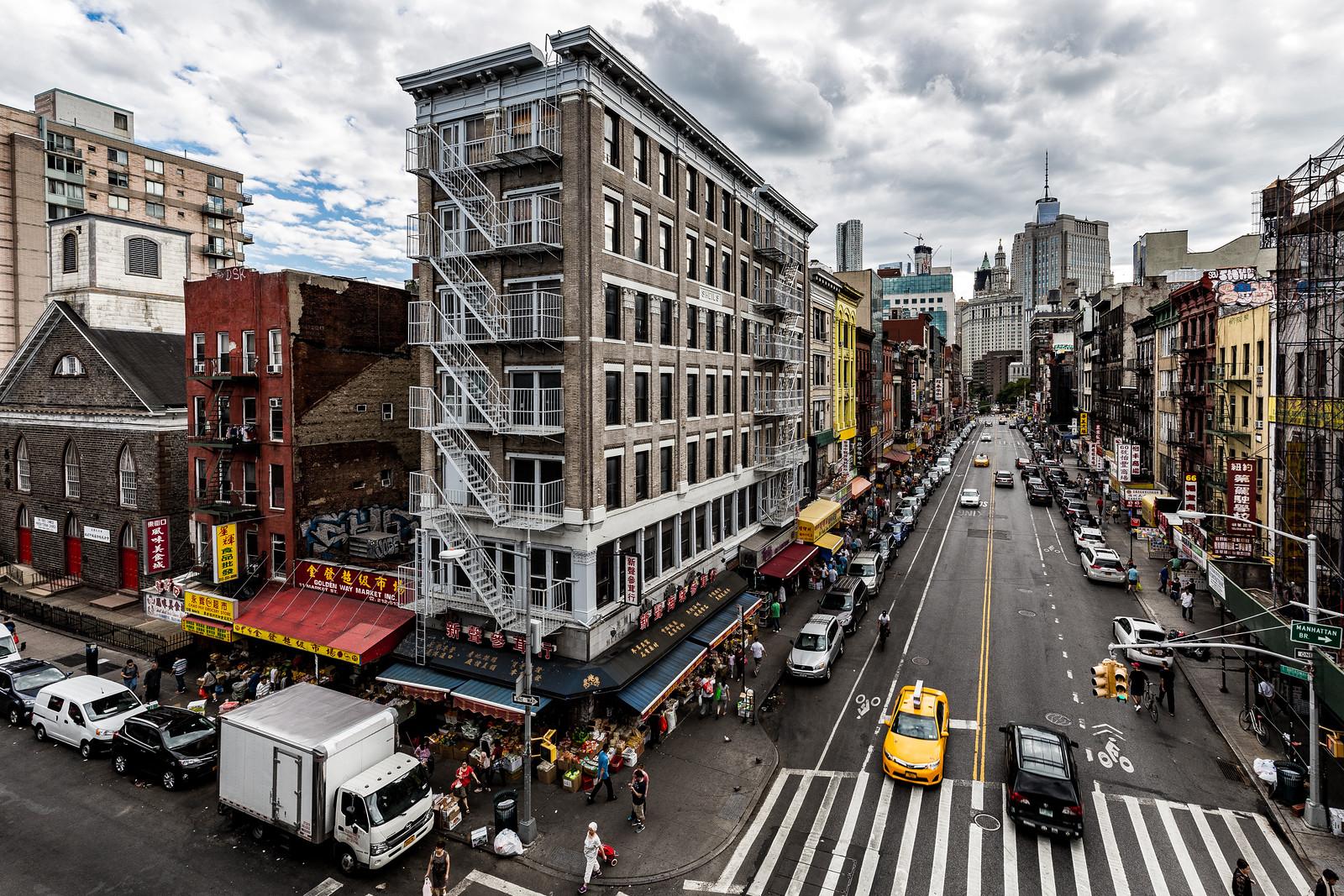 Chinatown -  Manhattan Bridge - NYC