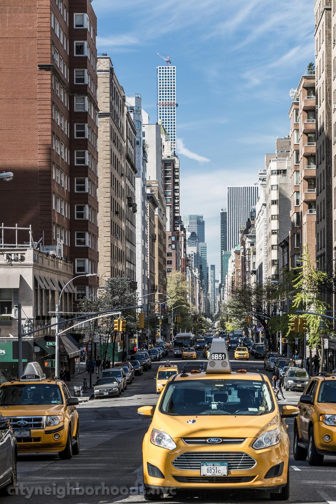East 87th Street & Madison Avenue - Carnegie Hill - Manhattan - NYC