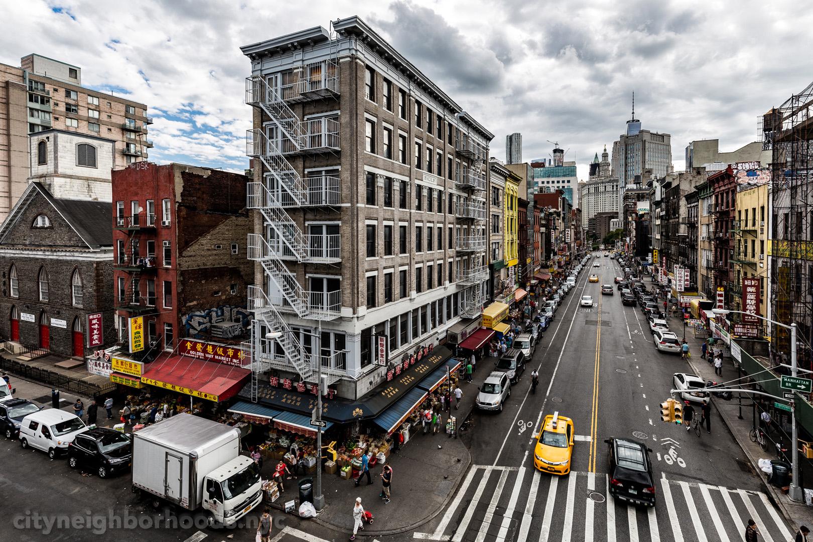 Market Street and East Broadway, from the Manhattan Bridge - Chinatown - Manhattan - NYC