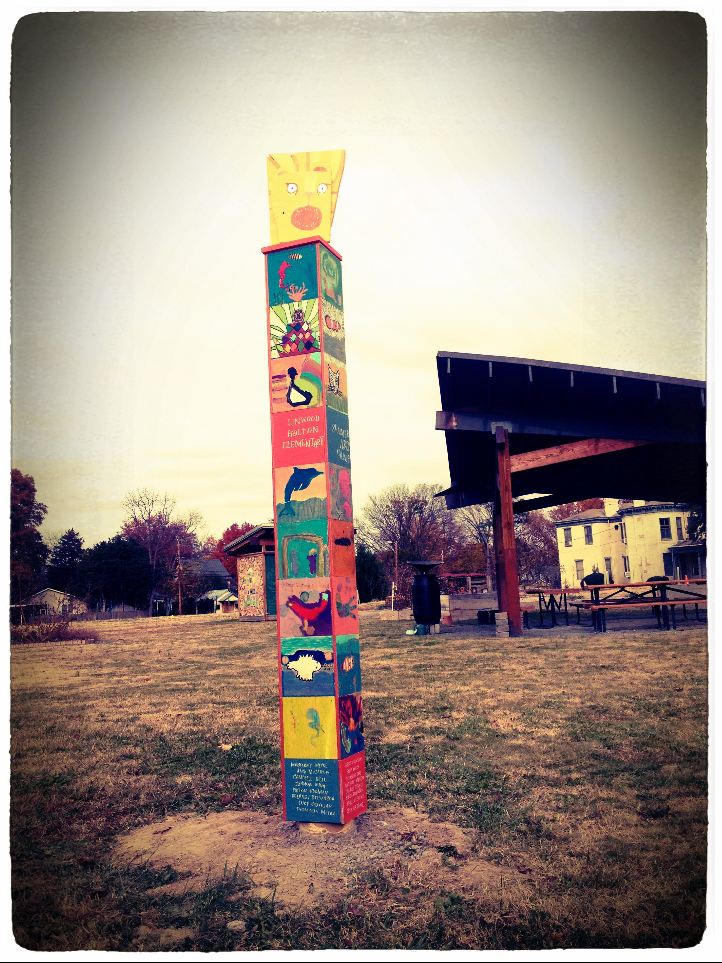 Holton Elementary School Totem, Richmond