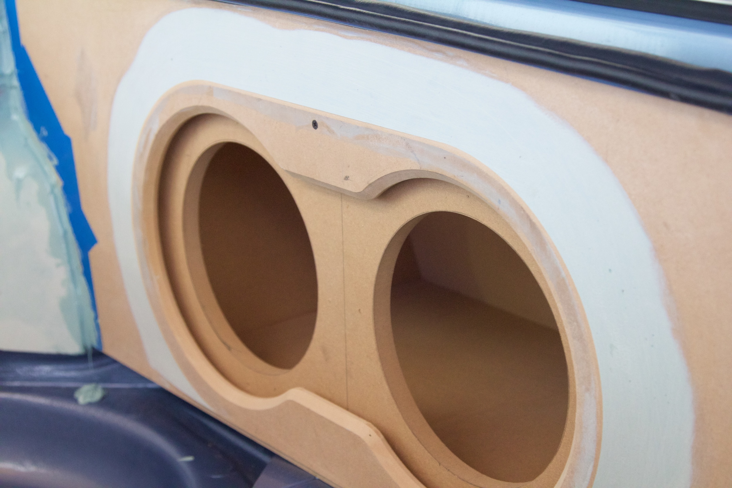 BMW 2002 Audio Install 2585.jpg