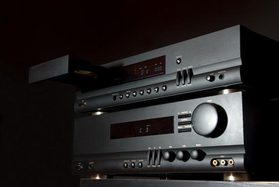 photodune-1334046-hifi-audio-system-xs.jpg