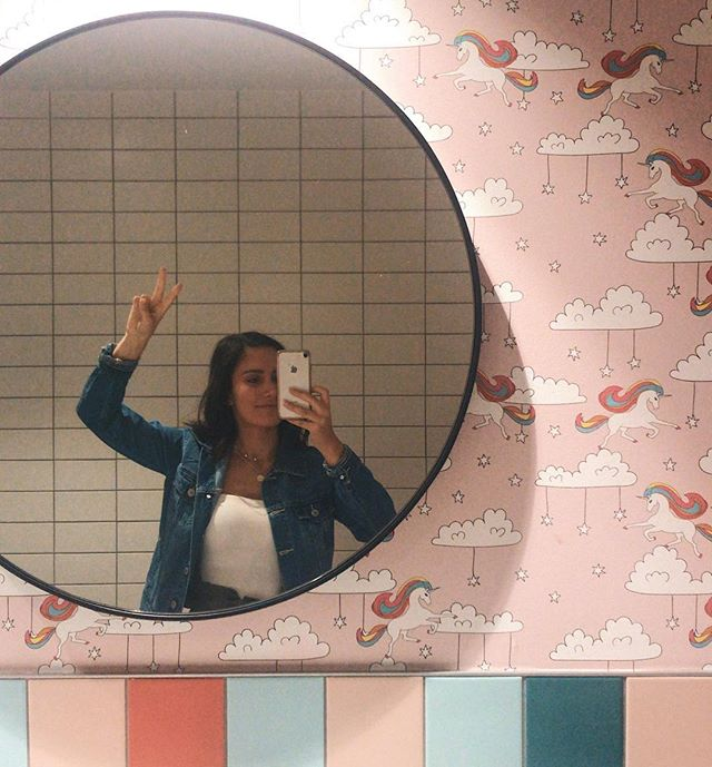 This unicorn wallpaper is in a local pub... and I think it's FABULOUS 🍭🦄