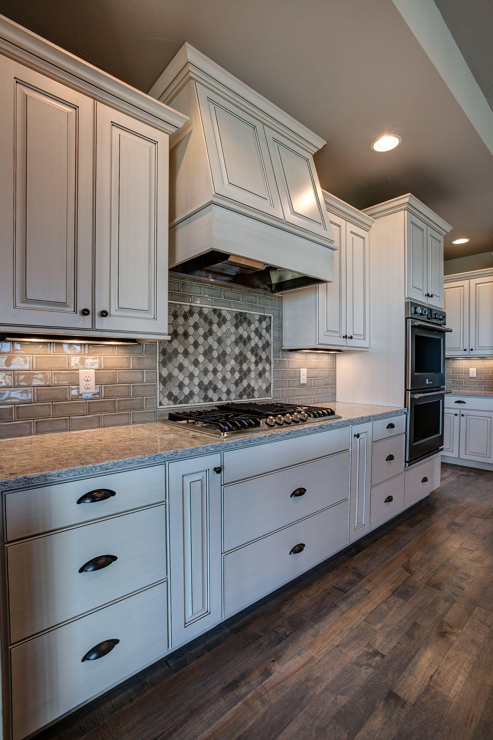 kitchen - hood3.jpg