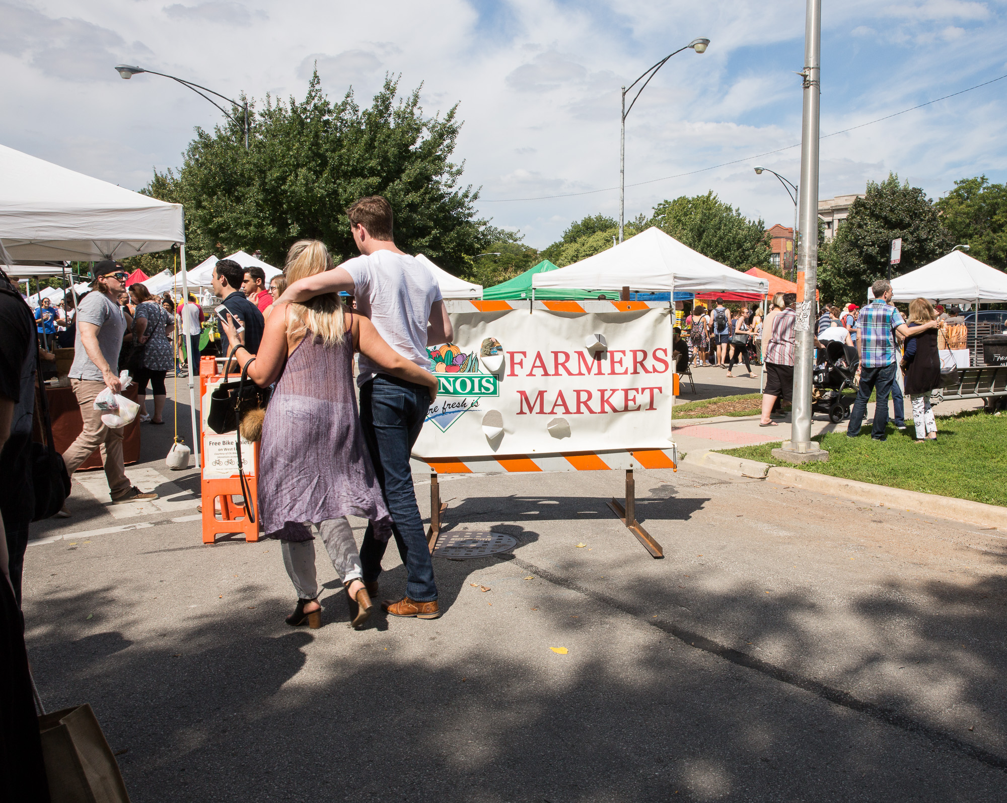 People travel all over to come to this farmers market in Illinois. There are some of the best local farmers from all over the city that make fresh grown produce + juice that is amazingggg! You can find out more at:  Logan Square Market