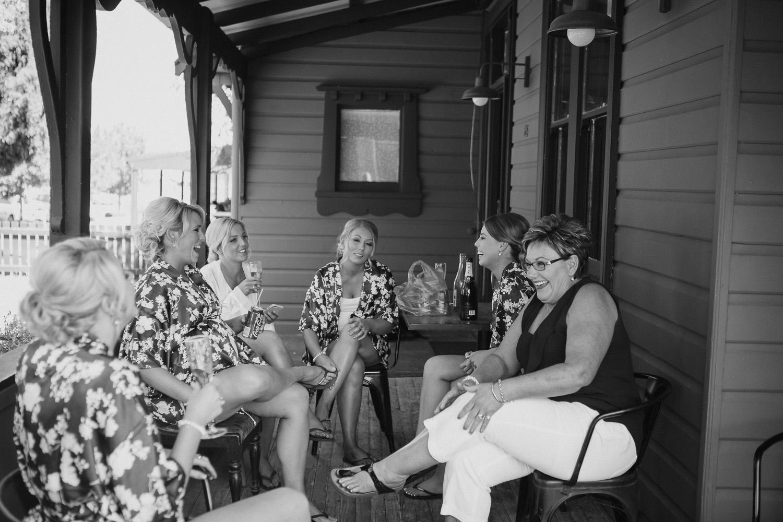 Steph&Jack_2016_credit_JacquieManning_OneDaySomewherePhotography52.jpg