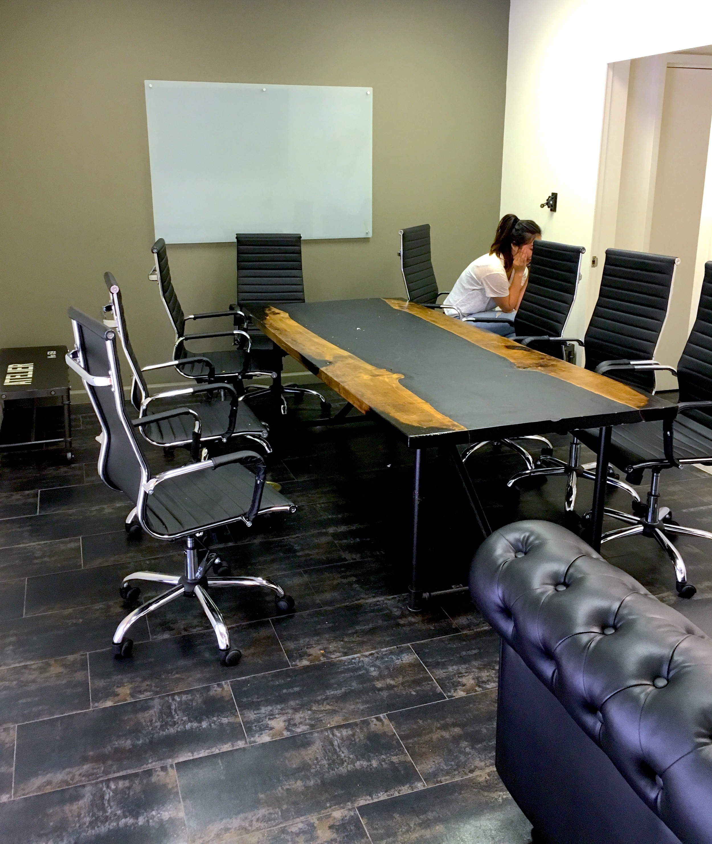 Conduct Meetings at Slapface's Conference Room!
